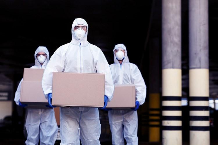 """""""أكسيوس"""": العالم يراقب أين سيرسل بايدن اللقاحات الأميركية"""