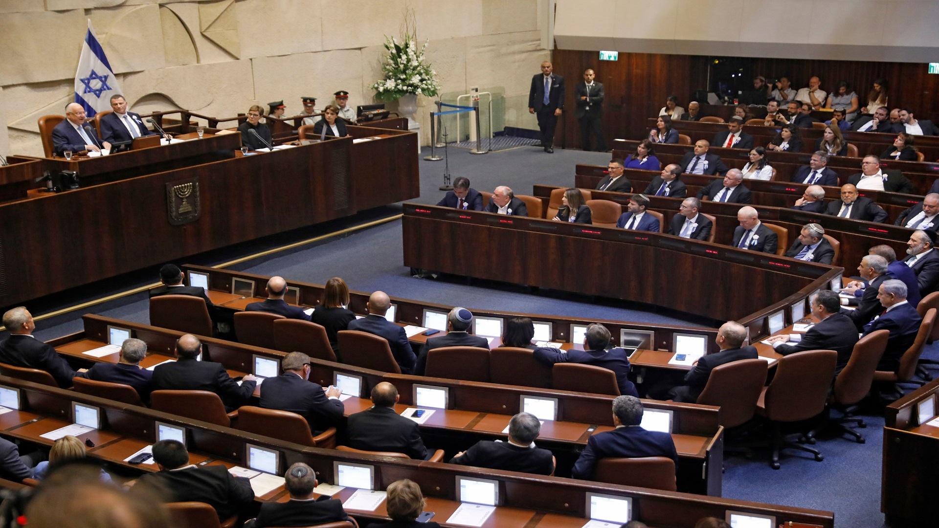 """نتنياهو يتعهد بإسقاط """"حكومة التغيير""""ويصفها باليسارية الخطيرة تستند إلى الإرهاب"""
