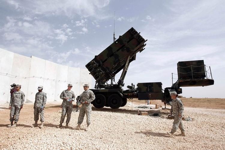 """""""وول ستريت جورنال"""": الولايات المتحدة تقلّص وجودها العسكري في الشرق الأوسط"""