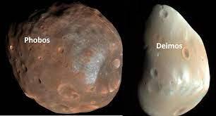 كوكب المريخ له قمران