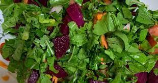 عشاء صحي خالي من الدهون وعناصر غذائية مجتمعة في طبق واحد