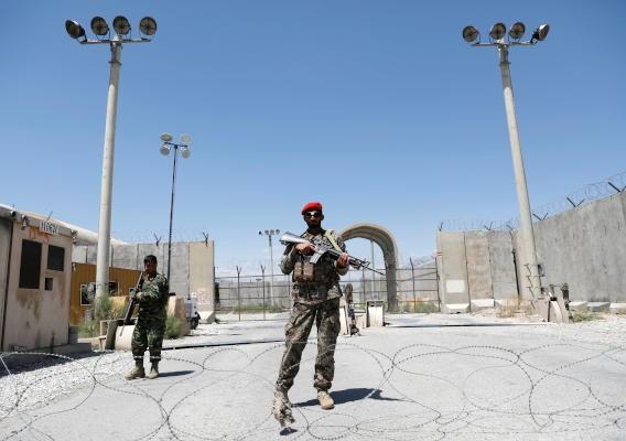 الأفغان يشعرون بالأسف على عقود من الحرب مع انسحاب القوات الأمريكية