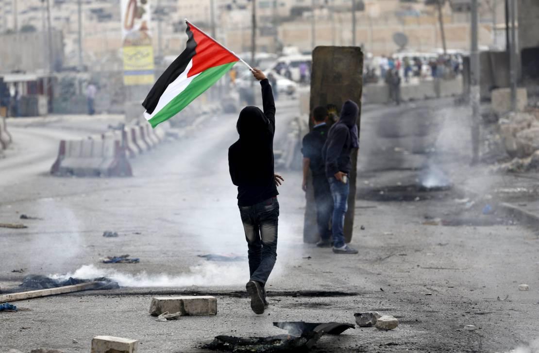 """""""معاريف"""": تراكم الإشارات إلى تصاعد احتمال اندلاع انتفاضة ثالثة في الضفة الغربية"""
