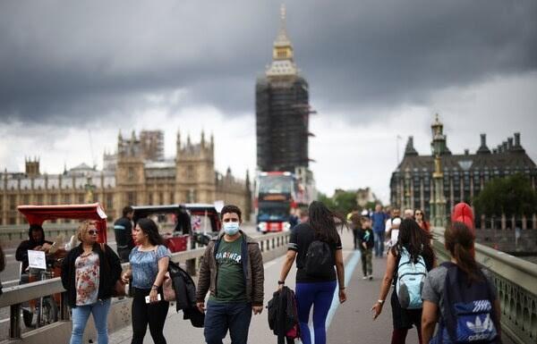 إنجلترا جاهزة لإنهاء قيود فيروس كورونا