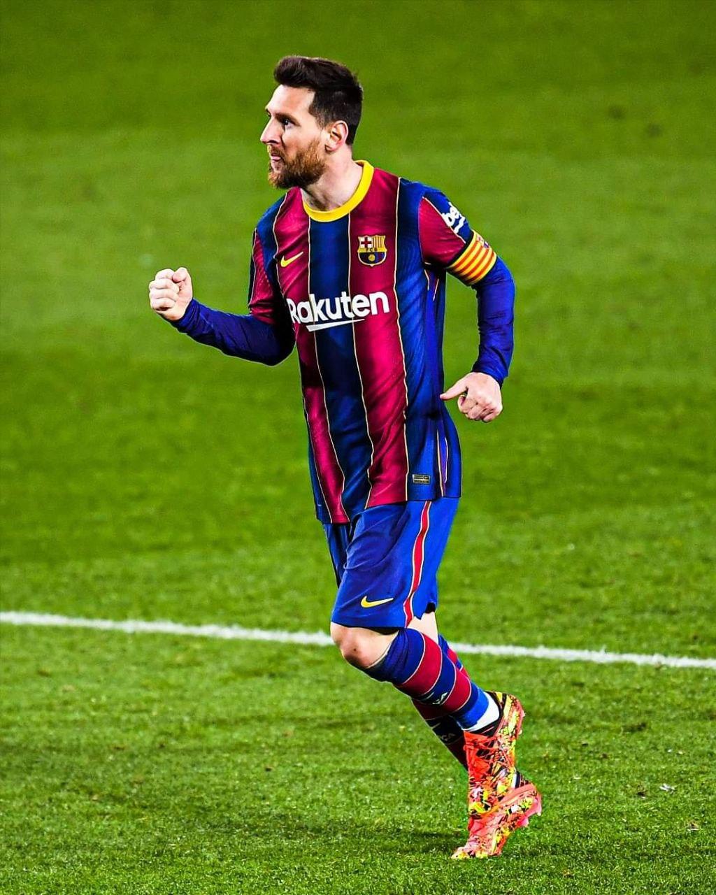 عقد ميسي مع برشلونة انتهى يوم أمس
