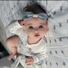 الوجه البريء لهذه الطفلة والتي هي من أجمل الاطفال