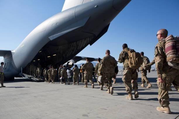 """""""نيويورك تايمز"""": سقوط كابول ينهي الحقبة الأميركية في أفغانستان"""