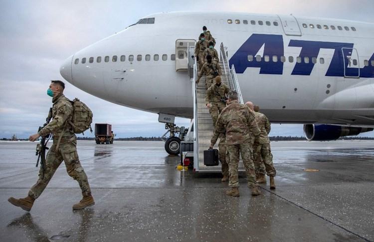 """""""ذي إيكونوميست"""": انقسام الأميركيين بشأن أفغانستان على أسس حزبية"""
