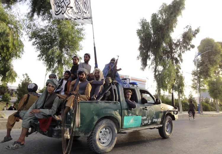 """""""نيويورك تايمز"""": لايزال بإمكان """"داعش"""" و""""القاعدة"""" إثارة الفوضى في أفغانستان"""