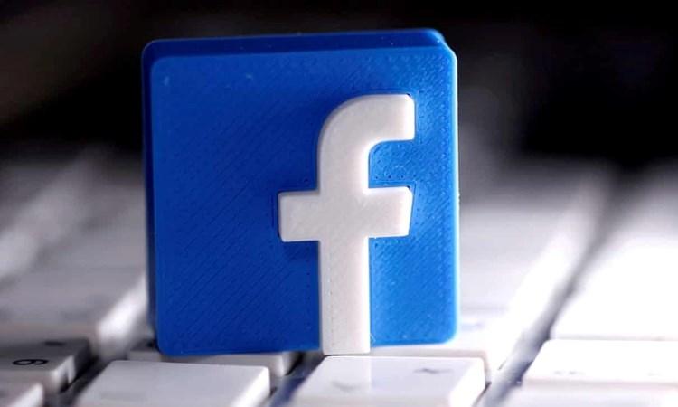 فيسبوك يحابي المشاهير ويعاملهم معاملة خاصة