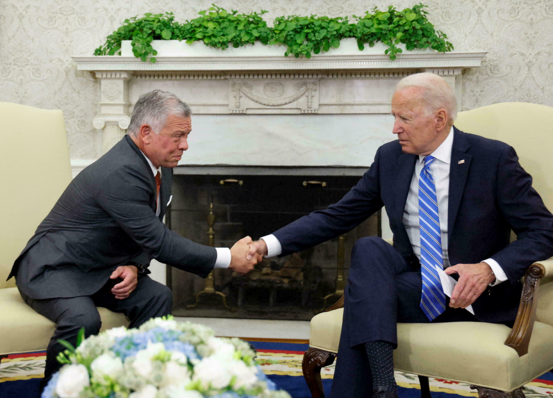 """""""واشنطن بوست"""": بايدن يؤيد ضمناً تطبيع العرب مع الأسد"""