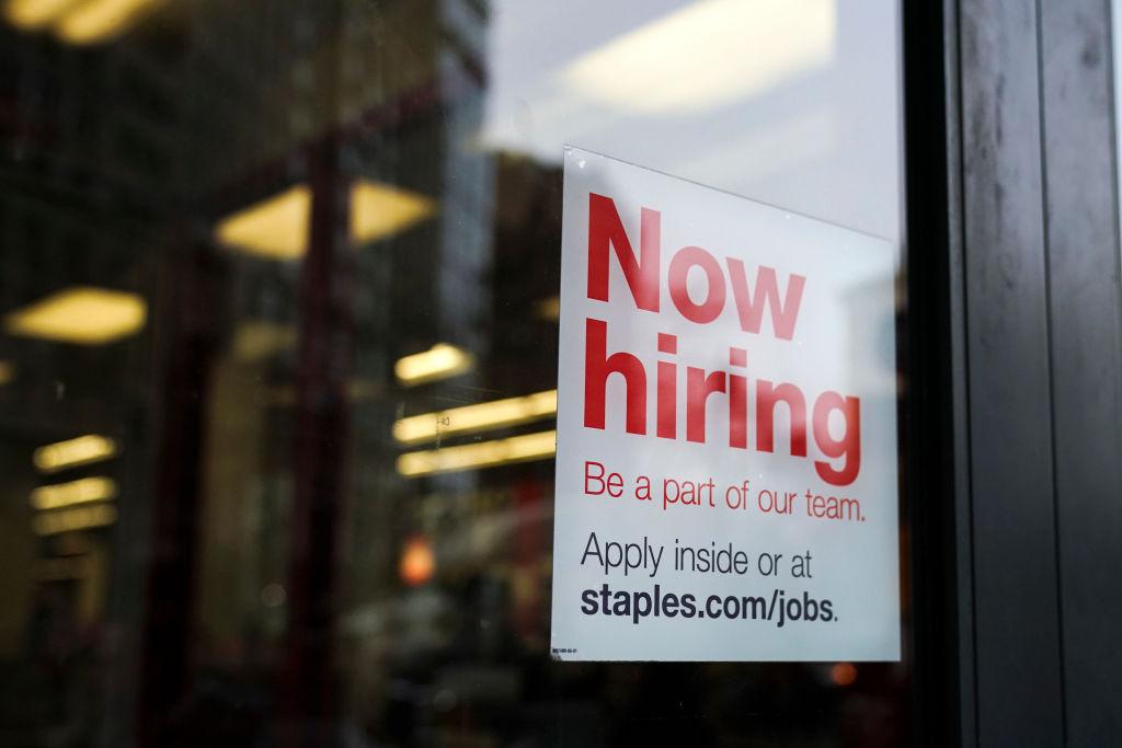 أكثر من أربعة ملايين أميركي استقالوا من وظائفهم